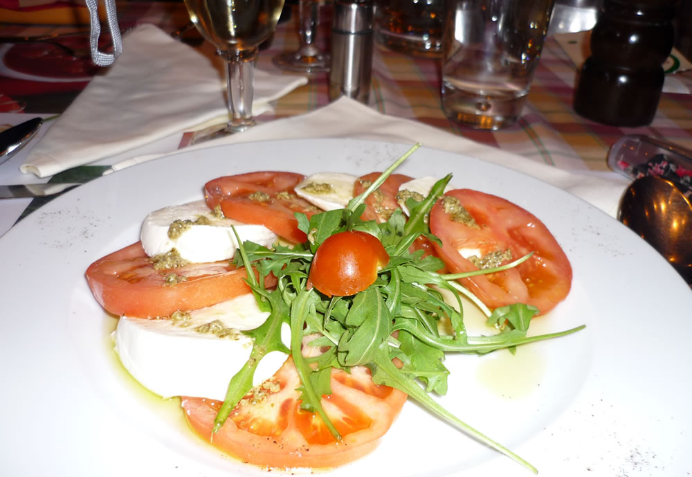 Salad Mozzarela