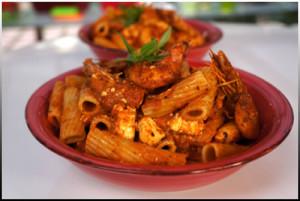 Ριγκατόνι γαρίδες σαγανάκι